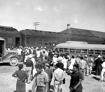 Japanese arriving at Topaz internment camp